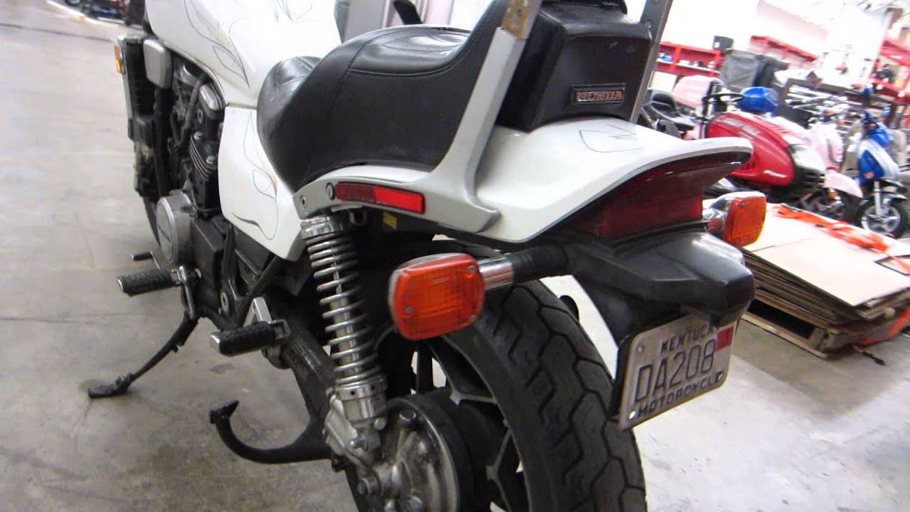 1983 honda vf 1100 c magna v65 white sport motorcycle - walk