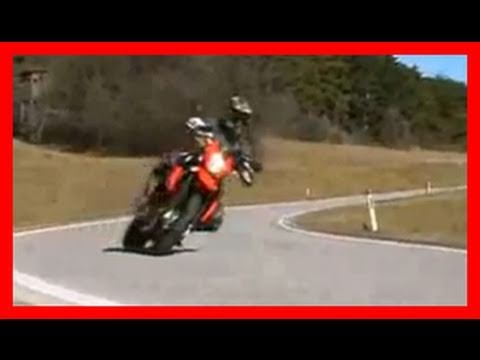 KTM 990 Supermoto 2008 test ride - wheelie action!