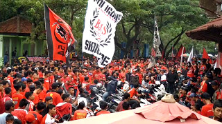 vuclip Aksi boikot Banaspati di luar stadion GBK