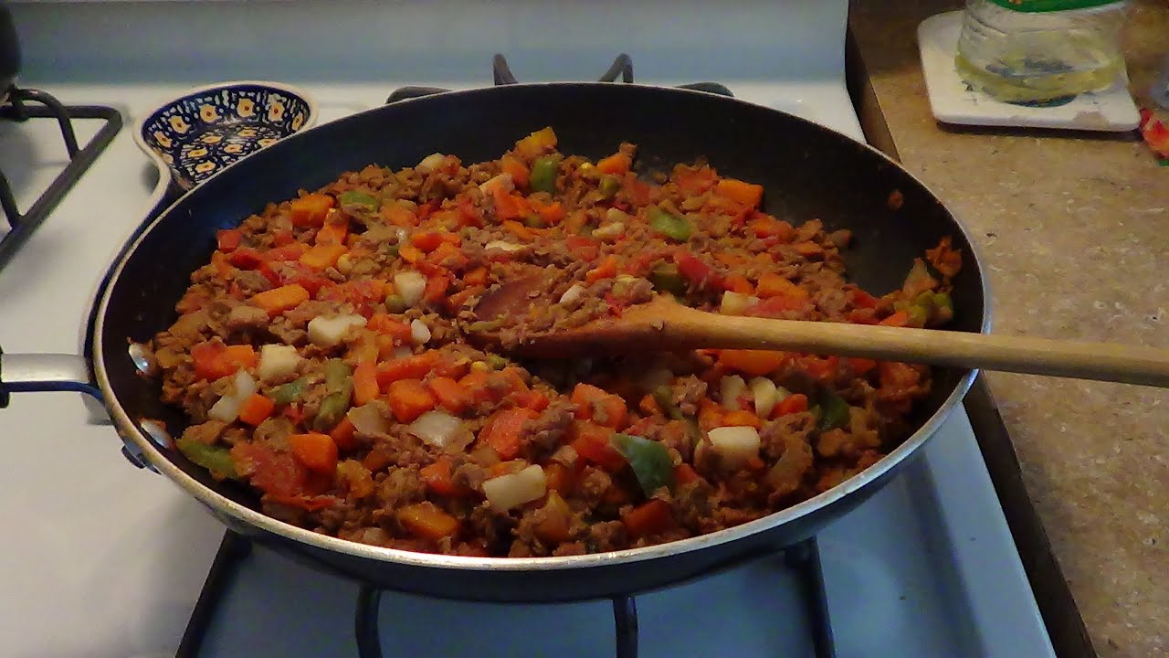 Platillo vegetariano picadillo de soya youtube for Que cocinar con verduras