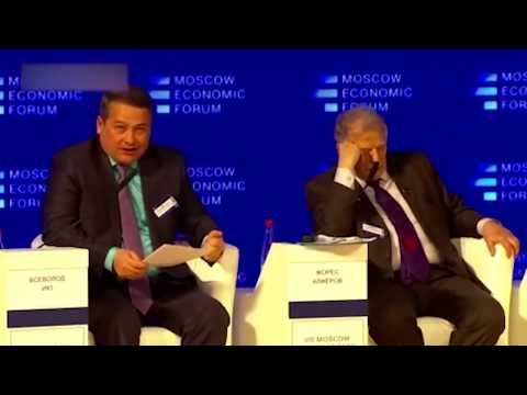Депутат от Единой России на интервью с колхозником.