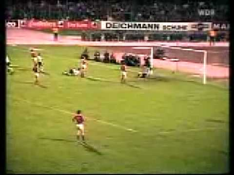 Klaus Fischer -The perfection of a Bicycle Kick