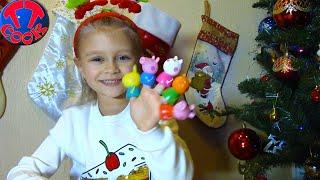 Подарки для Ярославы - Отгадай Загадку и Получи СЮРПРИЗ из новогоднего сапожка Видео для детей thumbnail