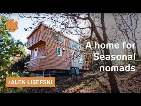 Iowa couple pick CA landscape with tiny homeoffice on wheels