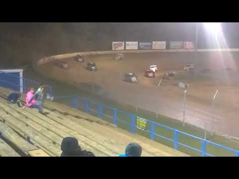 Modified feature race at Florence speedway 9/30/17
