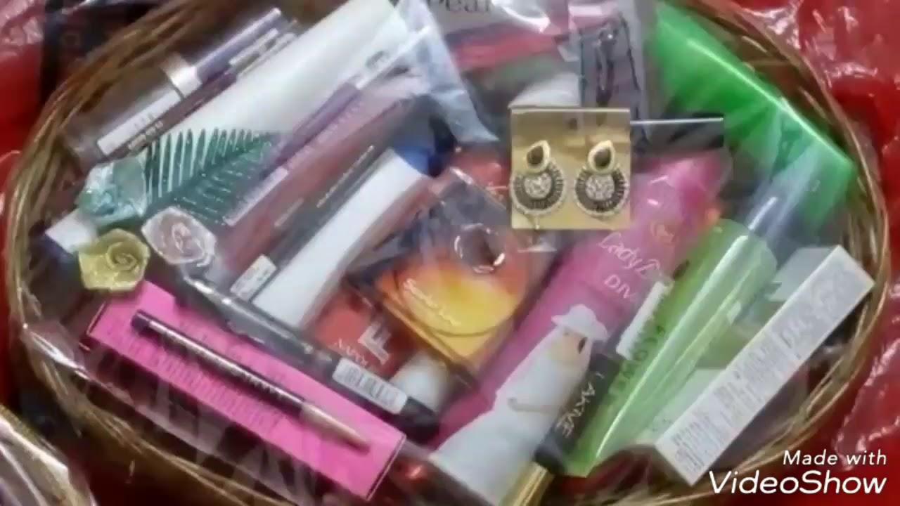 Wedding Gift Packing Ideas Beautiful Wedding Gift Basket Cosmetics