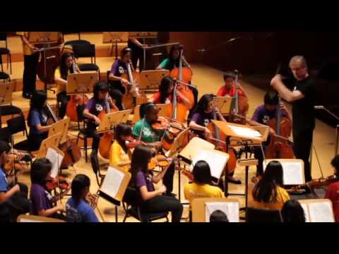 David Robertson Conducts YOLA Students in Rehearsal and Performance