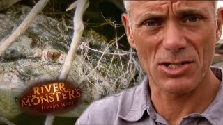 Tale of a Vicious Caiman Attack - River Monsters