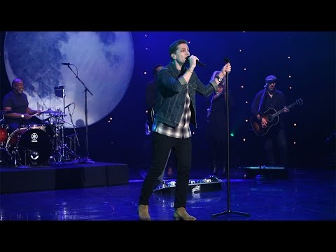 Rob Thomas Performs'Hold On Forever'