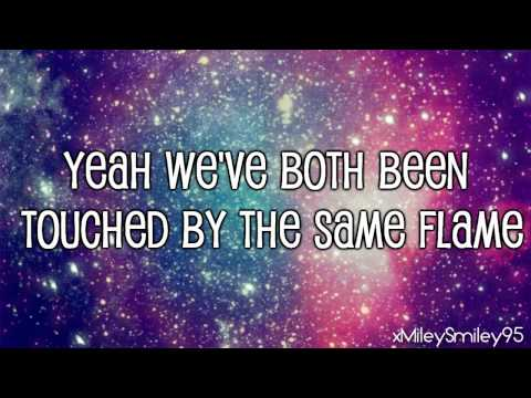 Hot Chelle Rae - Forever Unstoppable (with lyrics)