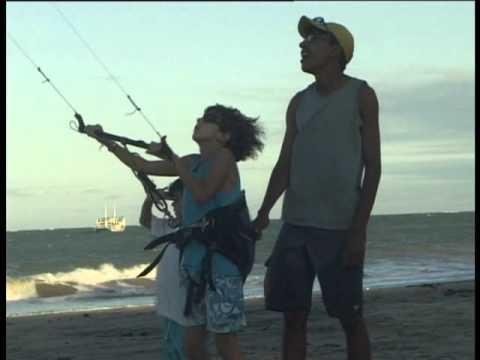 Joc Kites Kitesurf Mike sings Kid learns to kite Natal Untitled_0029.wmv