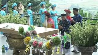 Trung tâm Hoàng Long (Gia Kiệm) viếng thăm Đức Mẹ TàPao.mpg