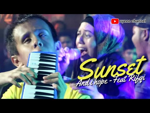 SUNSET (AND I HOPE) FEAT RIFQI. LIVE at I-SIX KEMANG KAWANAN PEDULI DONGGALA PALU