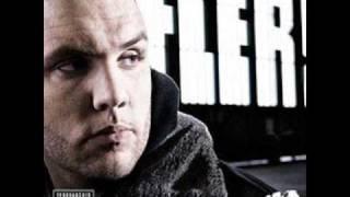 """Fler Feat . Hengzt -  Scheiss Auf dich    HQ    ( NEUES ALBUM """" FLER"""" )"""