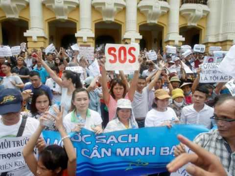 Người trẻ Việt Nam phản đối bộ công an vu khống đảng Việt Tân là tổ chức khủng bố