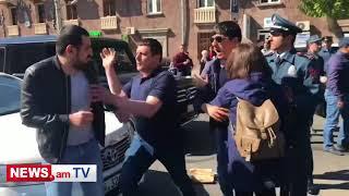 Ինչպես են Հերացի փողոցում քաղաքացիները ծեծում ցուցարարներին