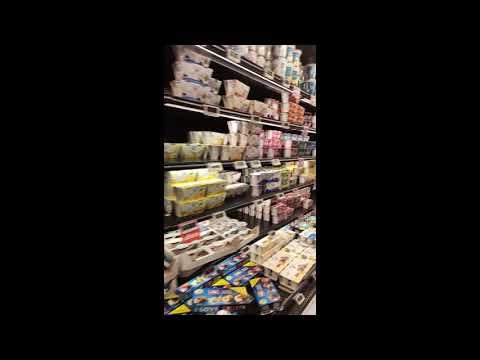 Корона вирус в Италии, полупустые прилавки в супермаркете!!! Северная Италия.