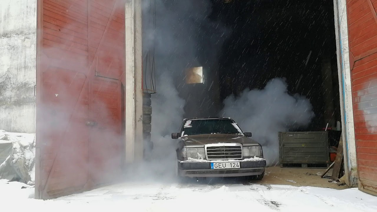 Mercedes w124 OM606 Super Turbo Diesel winter burnout
