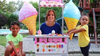Anwar and Leah Pretend Play Ice Cream Shop