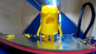 El nacimiento de los  minions, impresora 3d.