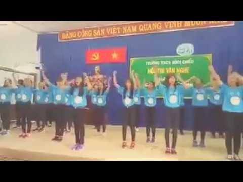 Lớp 8a1 trường THCS Bình Chiểu nhảy dân vũ ! Nhớ Đăng Kí kênh mình nhé !!