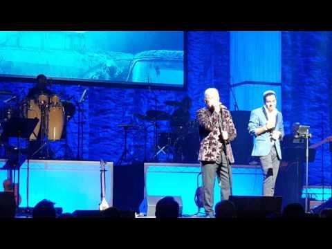 تقلید صدای مایکل در کنسرت عارف- شهرزاد- محسن چاوشی