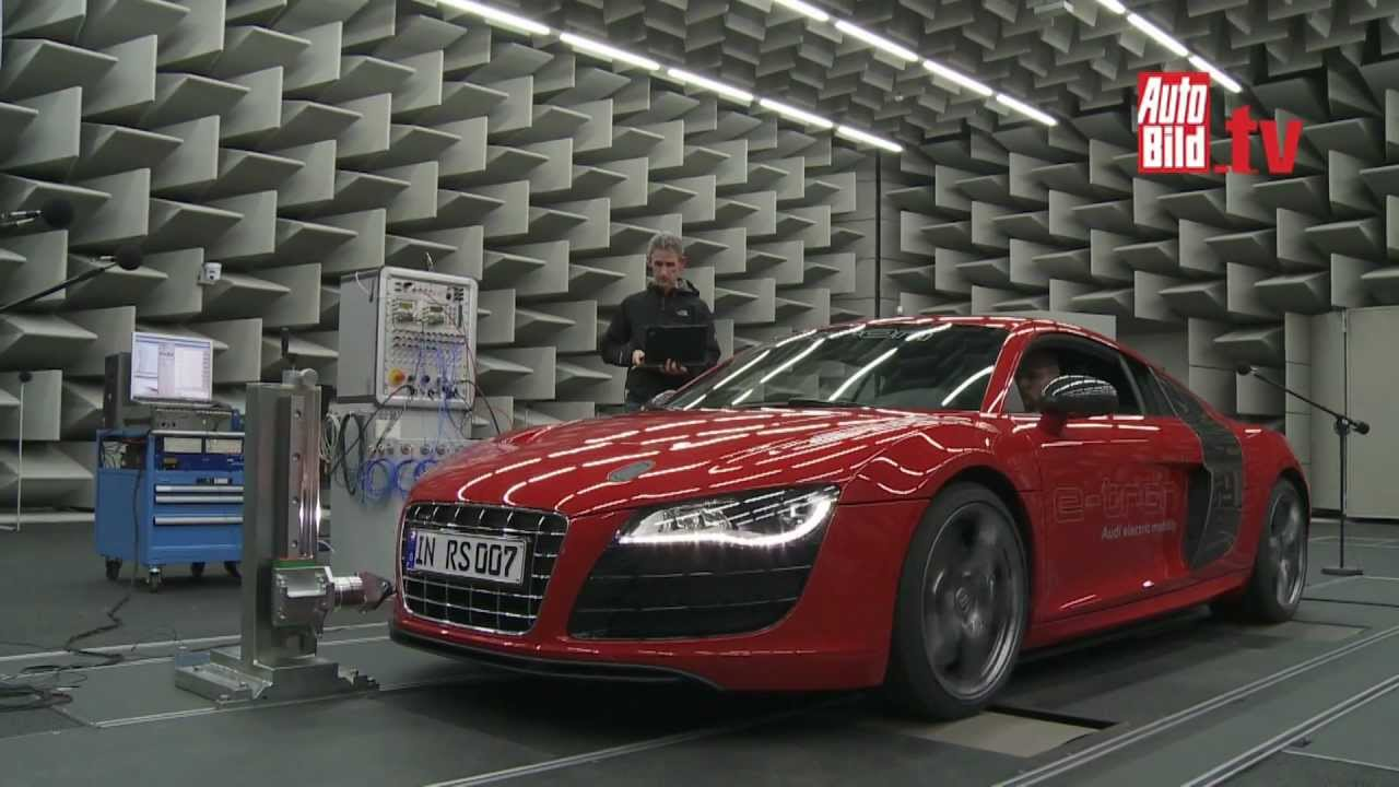 Audi R8 e-tron - Flotter Sound fürs E-Auto - YouTube