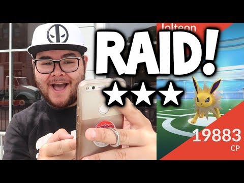 POKEMON GO RAID - YOU WON'T BELIEVE WHAT RARE ITEM I GOT!!! (EPIC RAID BOSS GAMEPLAY IN POKEMON GO!)