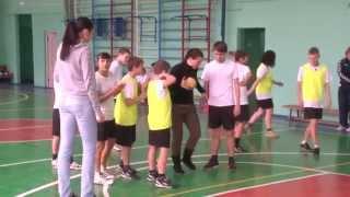 Урок физкультуры в детском доме