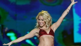 Shakira - Hips Don't Lie (Live in China - New Years Eve Jiangsu TV 2010)