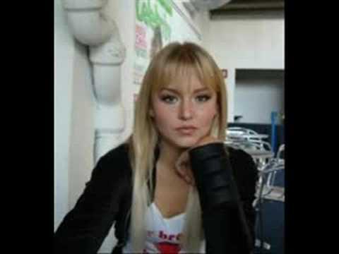 Angelique Boyer (Vico) - No me importa - YouTube