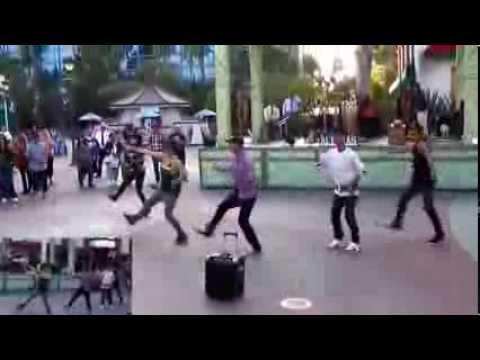 Bruno Mars Marry You Jamins Downtown Disney Flashmob Proposal