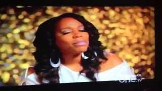 R & B Divas Brownstown... Damn they voice sound like Sh*t