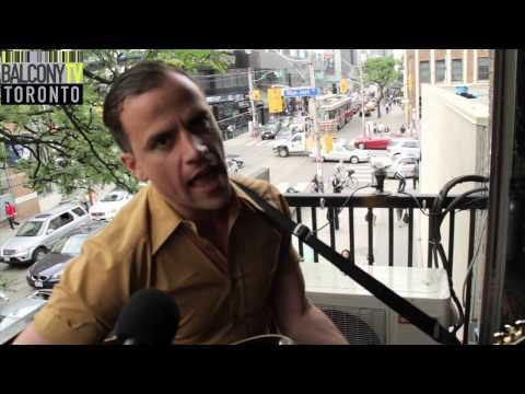 GREG MACPHERSON - UKRAINIANS (BalconyTV)