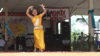 Video Champa Meuang Lao by Souvanhkham (Instructor Ms. Aleeya) download MP3, 3GP, MP4, WEBM, AVI, FLV Juni 2018
