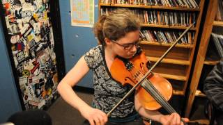 "Emily Jane Absalom playing a Traditional song on Violin "" Drowsy Maggie """