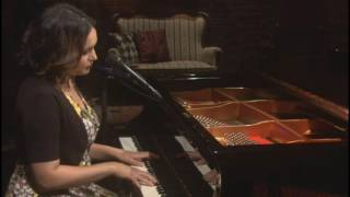 Norah Jones - Carry On [LIVE]