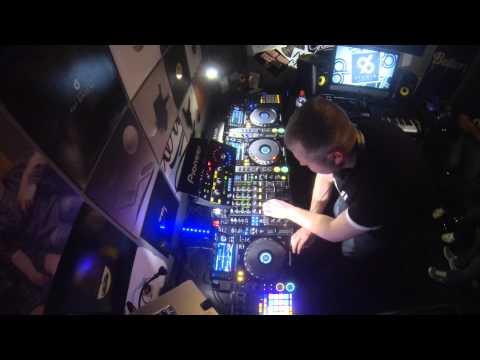 Deep tech house mix 005 byron sounds february 2015 for Deep house 2000