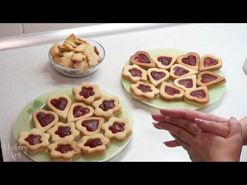 Печенье-сердечки для Дня Влюбленных.