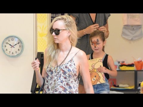 Kimberly Stewart Takes Adorable Daughter Delilah Del Toro Shopping For School