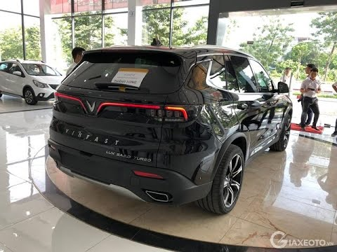Dân buôn om hàng rao bán lô xe VinFast Lux với giá rẻ hơn gần 400 triệu, hứa sang tên '1 nốt nhạc'