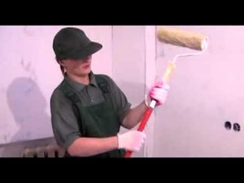 видео: Как красить потолок