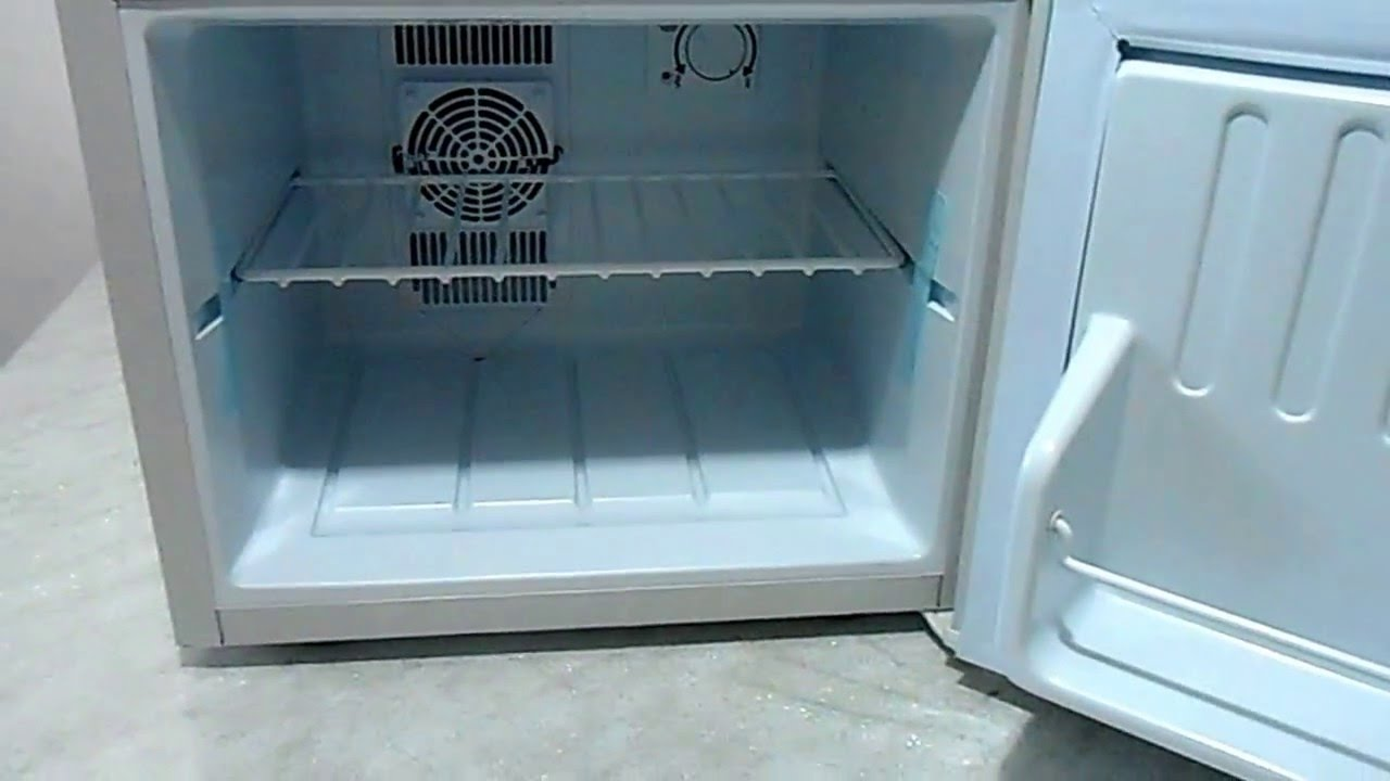 Minibar Kühlschrank Klarstein : Klarstein geheimversteck minifrigo minibar 17 litri 50w bianco youtube