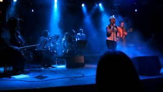 Yona ja Liikkuvat Pilvet - Uusi Sävel @ Nosturi, Helsinki 18.11.2011