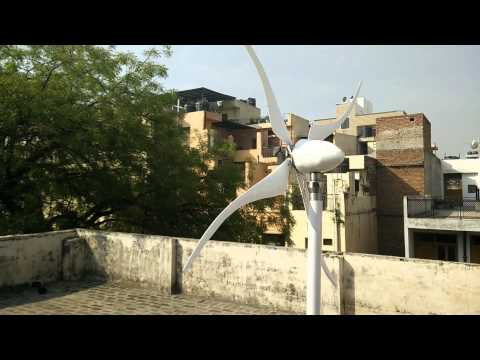 Gusto - A Gust Energy Capturing Wind Turbine