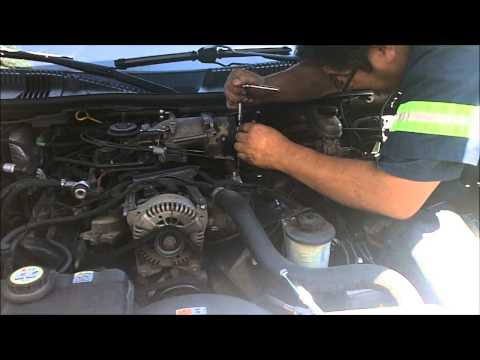 How To Remove And Install Spark Plugs On A Lincoln Town Car 4.6L