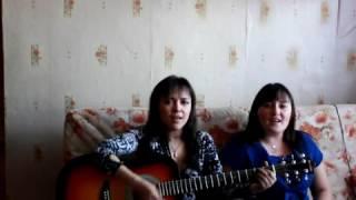 две девушки поют по татарский