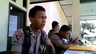 Indonesian Police singing Hindi Song, LOL.wmv