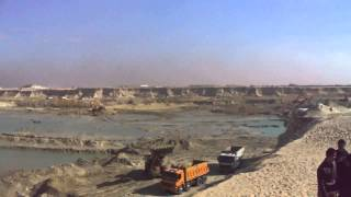 Drilling in the new Suez Canal scene 76 kilobytes
