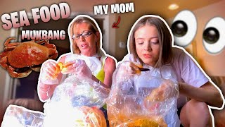 Seafood Boil with My Mom | Woah Vicky